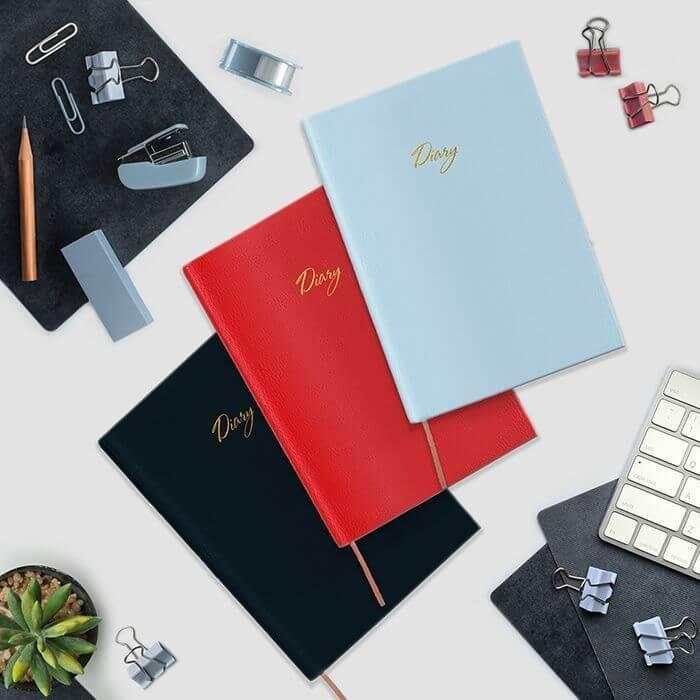 Ежедневник недатированный, А5, LOREX ROMANCE STYLISH COLLECTION, 80 л., интегральная обложка, красный с тиснением, ляссе, фактура кожа, тони